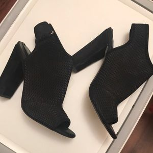 Black Aldo Suede Heels